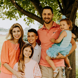 Chiropractor Chesterfield MI Drs Eric & Angela DiMartino Family